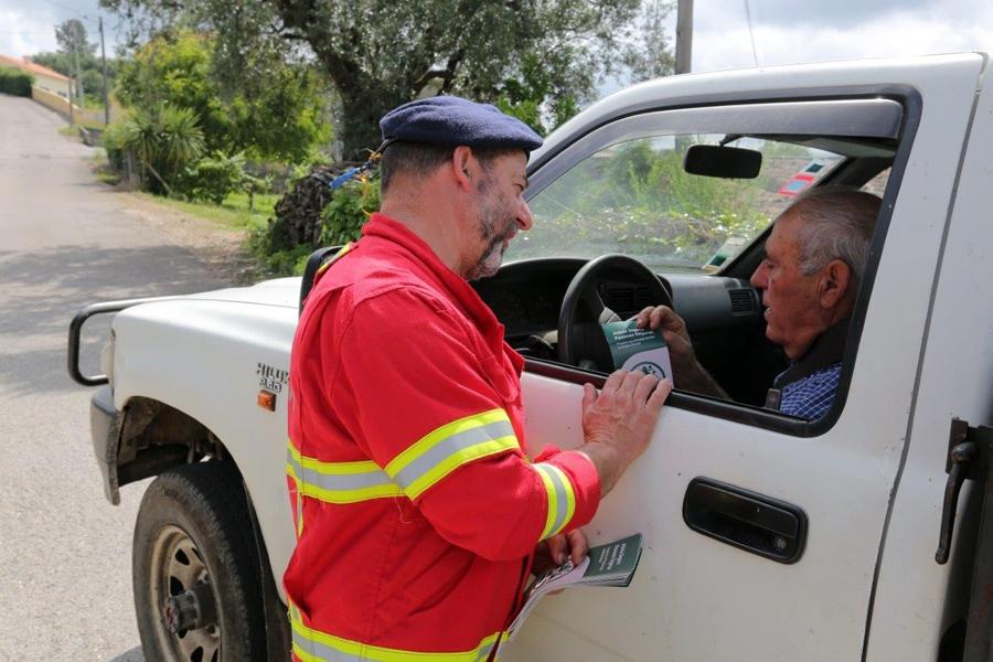 Bombeiros da Lousã vão às aldeias informar sobre proteção contra incêndios