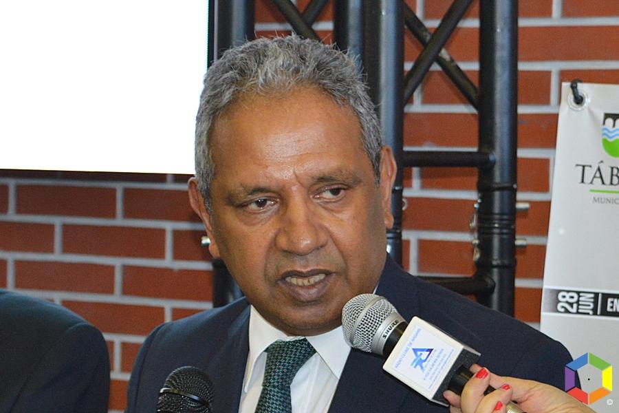 Ministro do Planeamento infetado com Covid-19