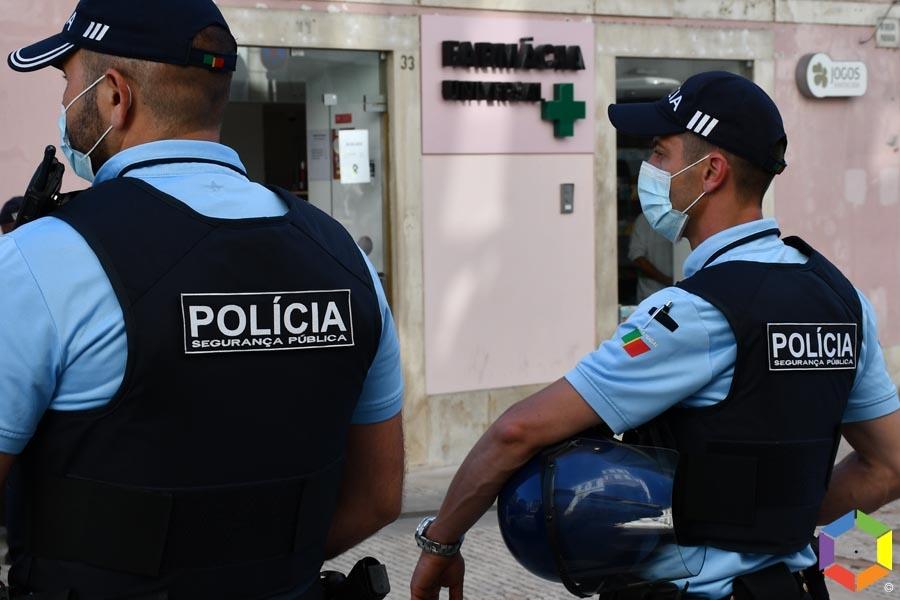 """Cerca de 200 polícias em operação de """"grande envergadura"""" de combate ao tráfico de armas"""