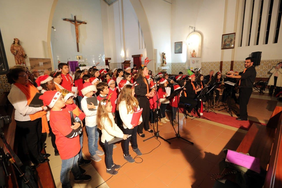 Concerto do Advento e chegada do Pai Natal mobilizam centenas de pessoas na Lousã